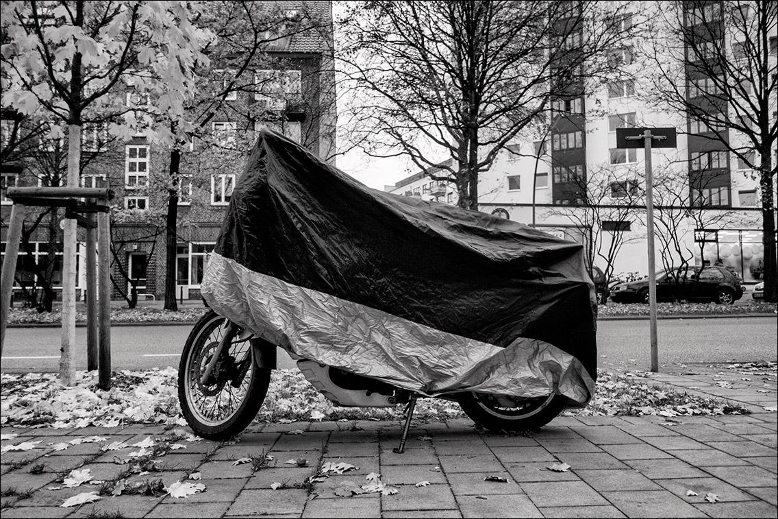 DSC00948 in Unter der Haube – Zweiräder