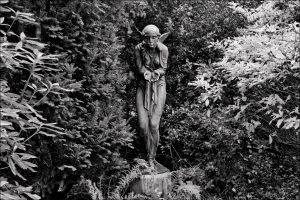 IMG 6988 Emde 1927-300x200 in Werke des Bildhauers Arthur Bock auf dem Ohlsdorfer Friedhof