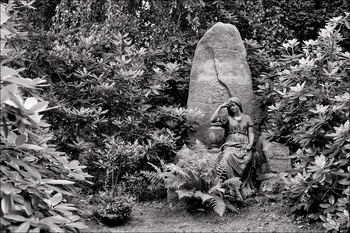 DSCF0794 in Sitzende Statuen