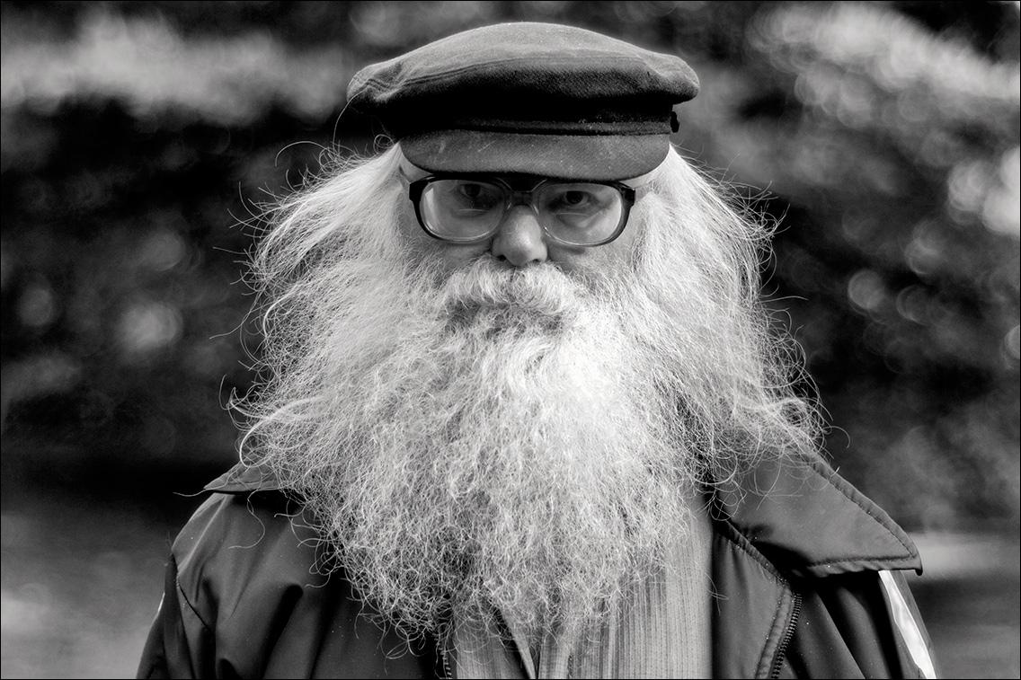 PA050117 in Männer – mit mehr oder weniger Bart