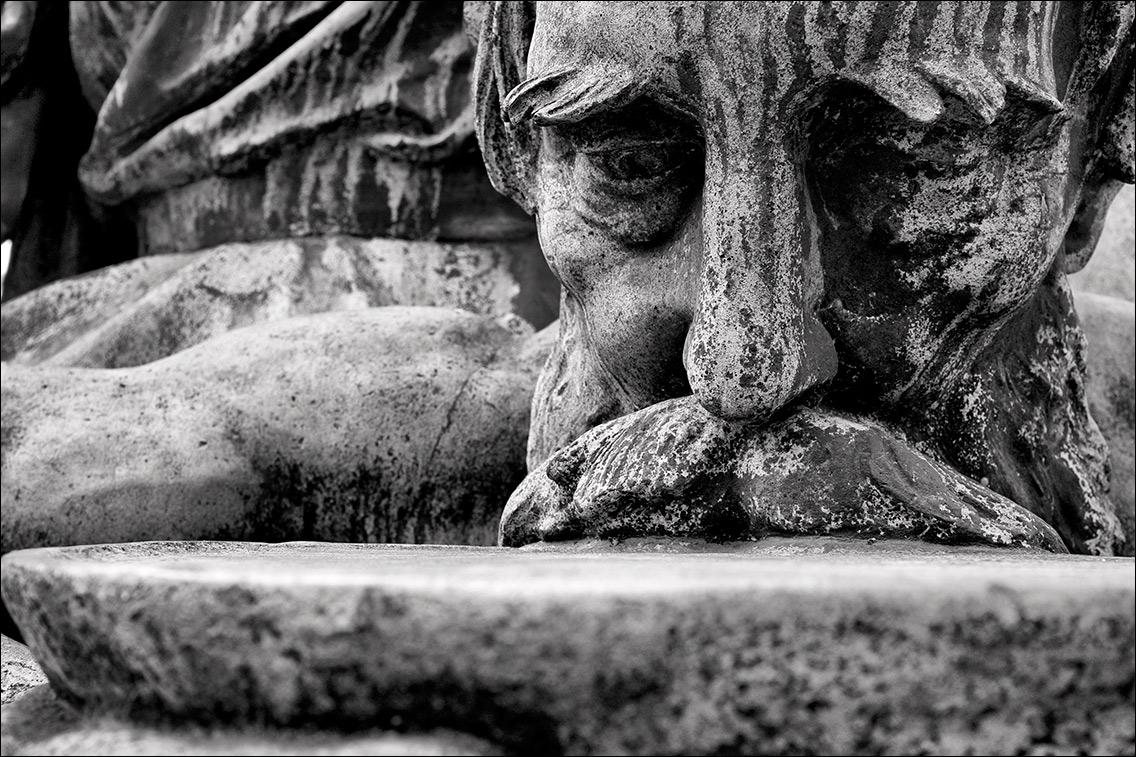 2012 0402AN in Kaiser-Wilhelm-Denkmal und vier allegorische Begleitfiguren am Sievekingplatz