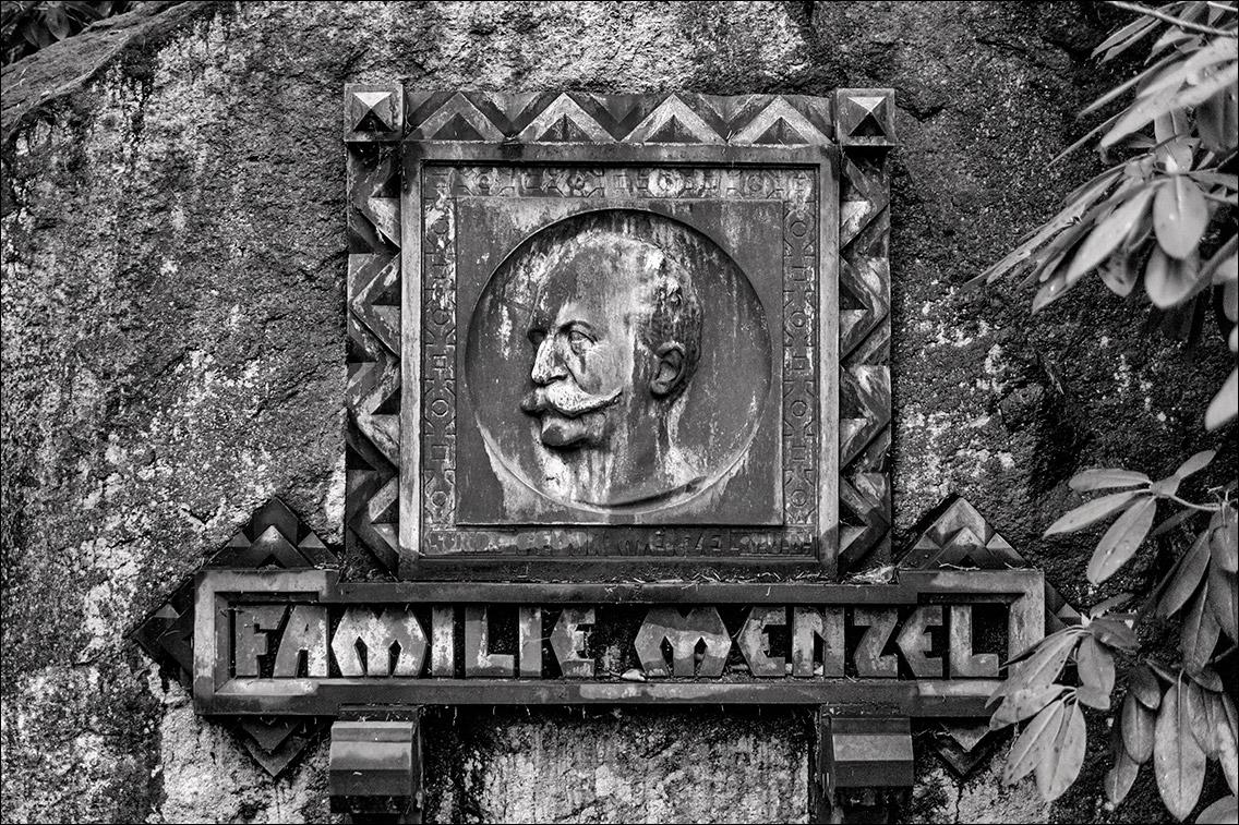 2012 12 26 064 Menzel 1911 in Bildhauer Arthur Bock auf dem Ohlsdorfer Friedhof