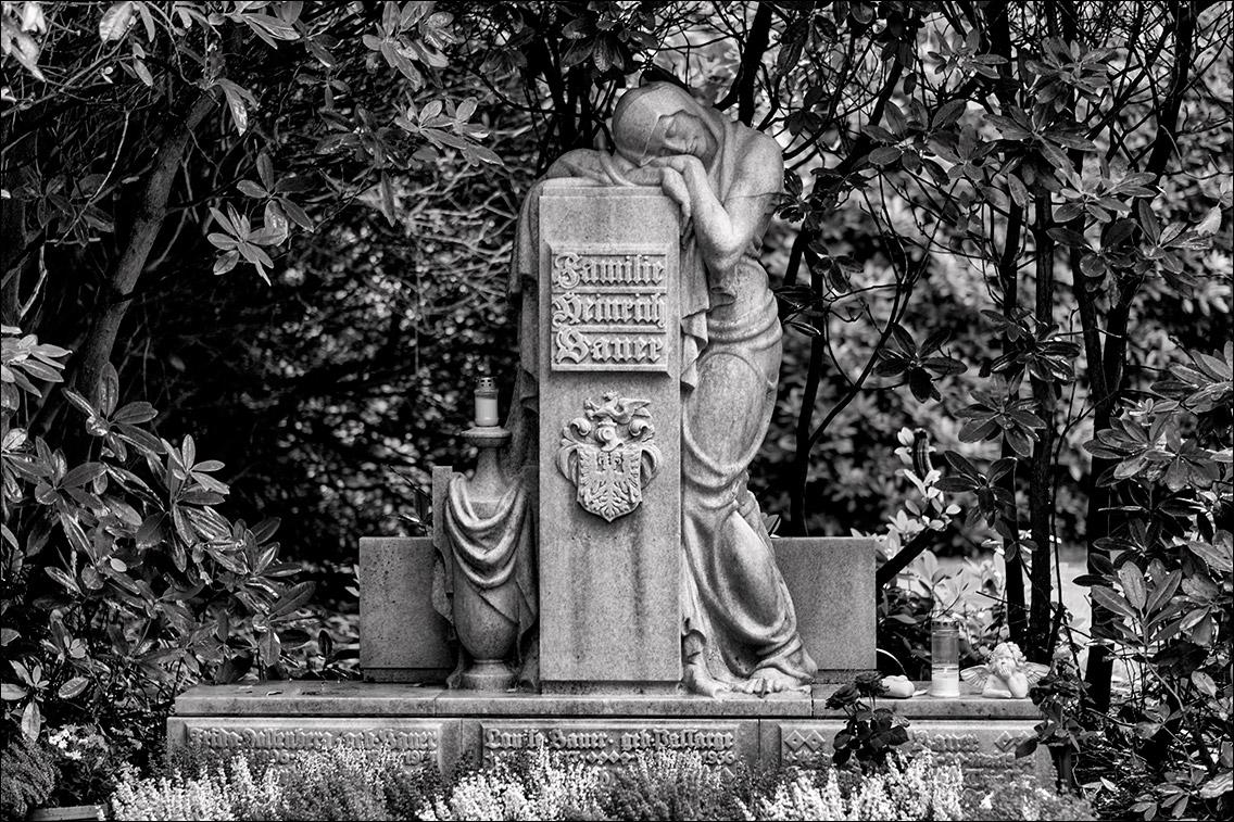 DSCF1944 Bauer 1936 in Bildhauer Arthur Bock auf dem Ohlsdorfer Friedhof