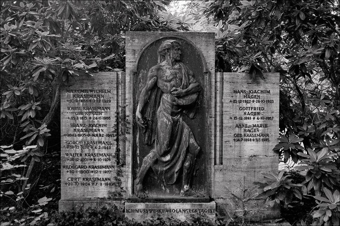 DSCF3255 Krasemann Hagen in Bildhauer Arthur Bock auf dem Ohlsdorfer Friedhof