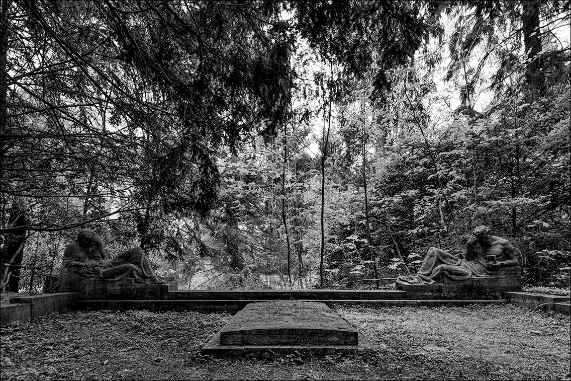 DSCF5074 Hegel 1926 in Bildhauer Arthur Bock auf dem Ohlsdorfer Friedhof