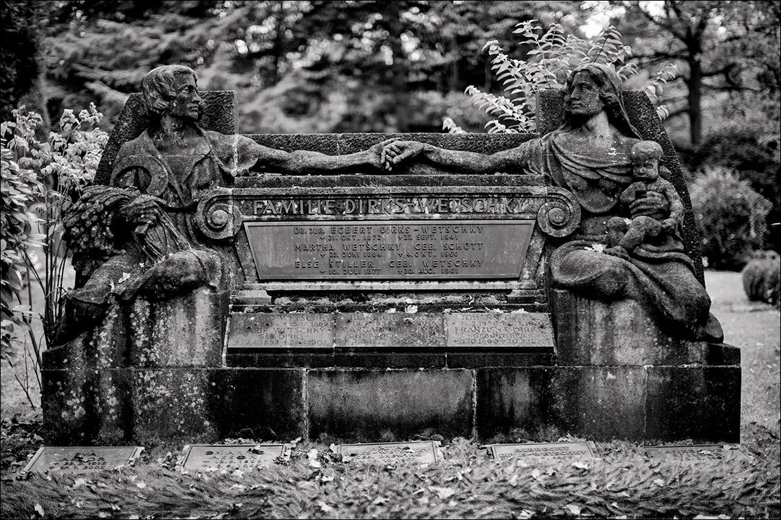 IMGL8863 Dirks Wetschky 1921 in Bildhauer Arthur Bock auf dem Ohlsdorfer Friedhof
