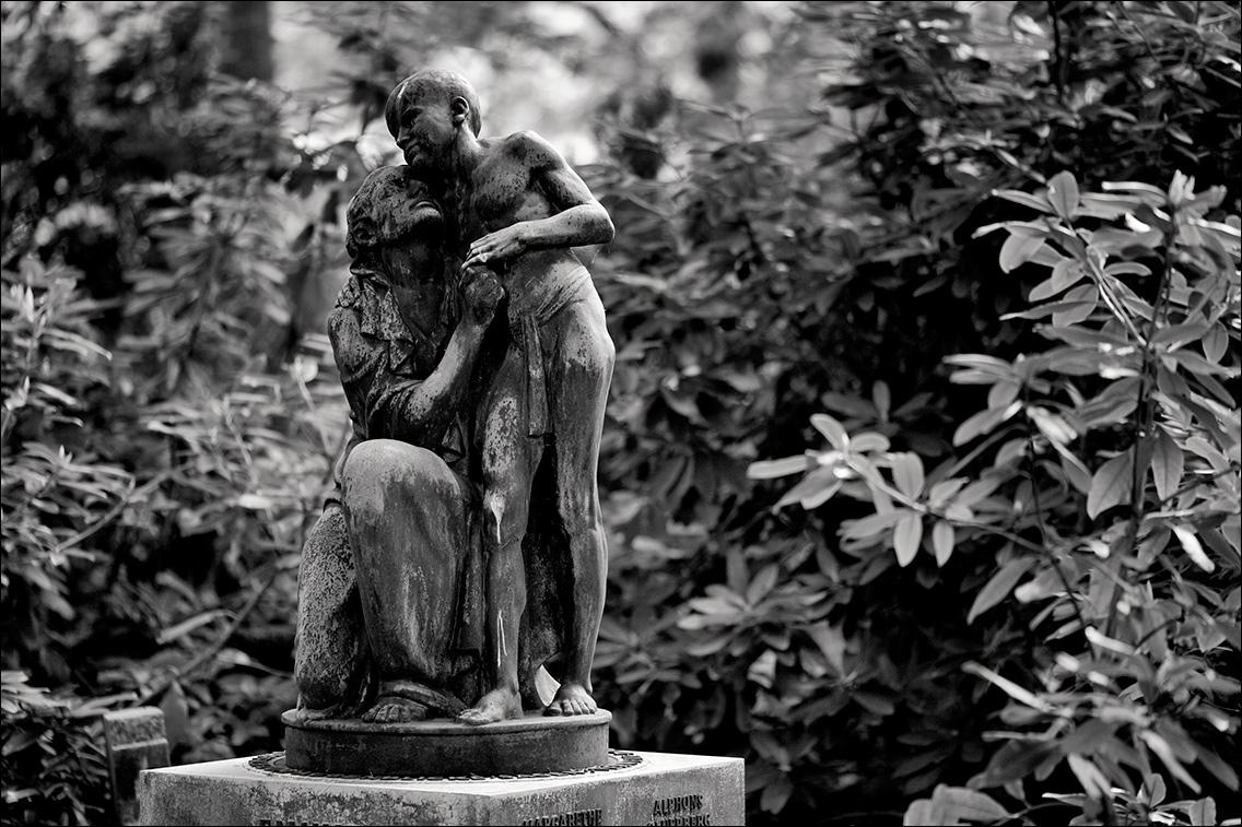 IMG 6970 Sauerberg 1932 in Bildhauer Arthur Bock auf dem Ohlsdorfer Friedhof