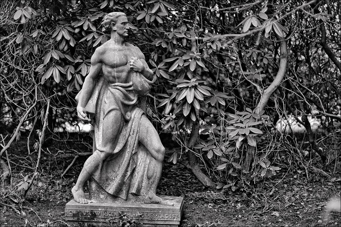 IMG 7683 Schwabe 1937 in Bildhauer Arthur Bock auf dem Ohlsdorfer Friedhof