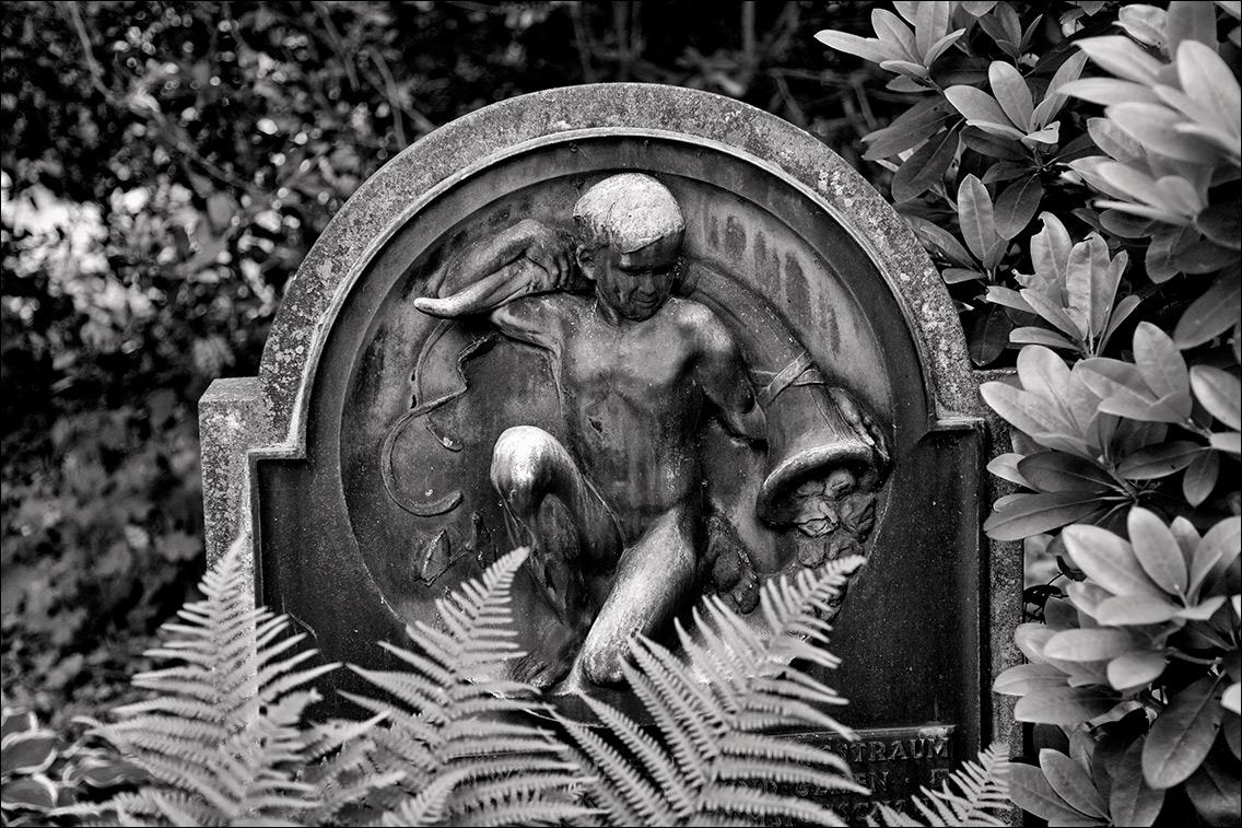 IMG 7704 Hauch 1936 in Bildhauer Arthur Bock auf dem Ohlsdorfer Friedhof