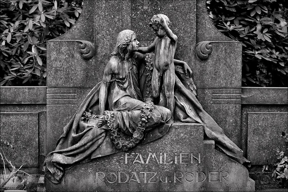 IMG 8460 Rodatz Roeder 1903 in Bildhauer Arthur Bock auf dem Ohlsdorfer Friedhof