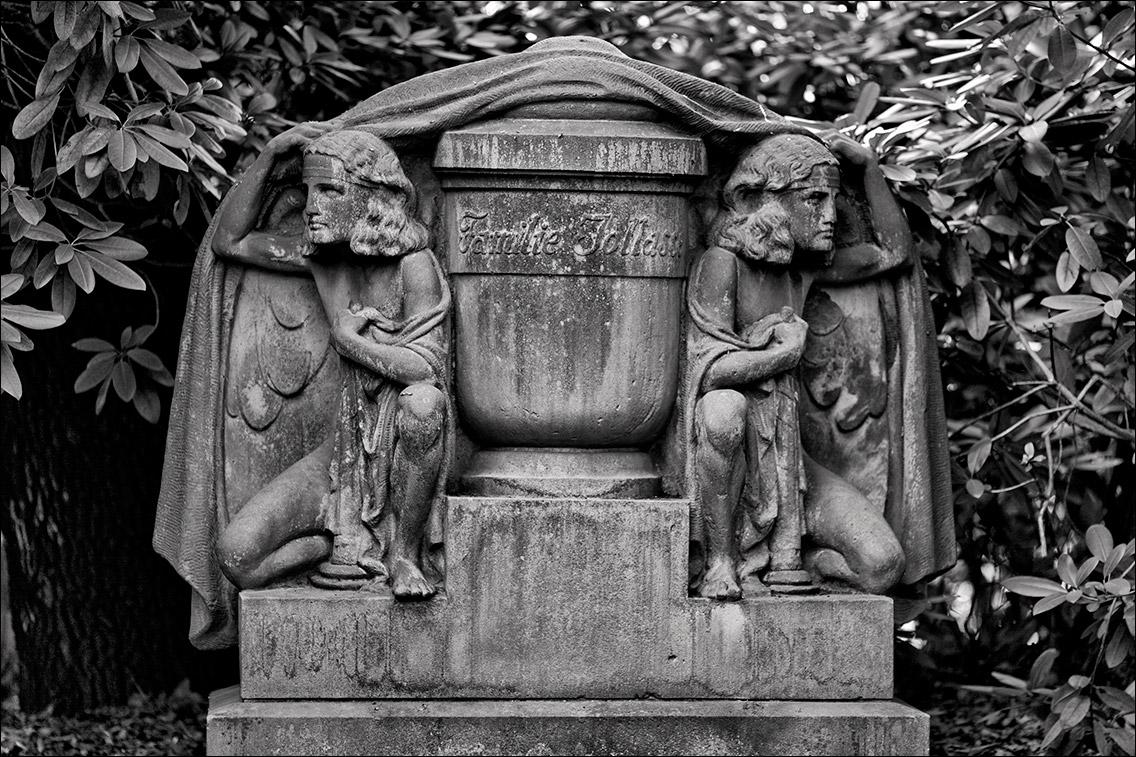 IMG 8669 Jolasse 1921 in Bildhauer Arthur Bock auf dem Ohlsdorfer Friedhof
