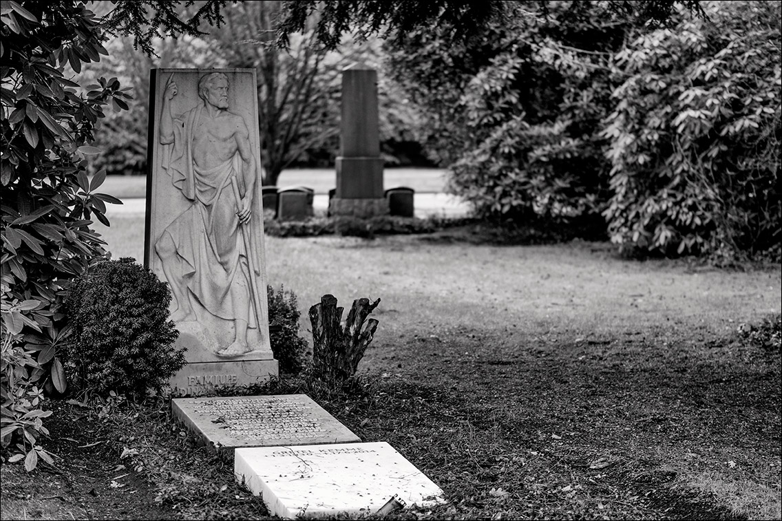 PC140019 Kemme 1929 in Bildhauer Arthur Bock auf dem Ohlsdorfer Friedhof