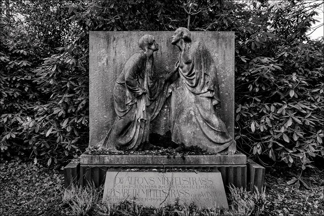 PC312249 Mittelstrass 1914 in Bildhauer Arthur Bock auf dem Ohlsdorfer Friedhof