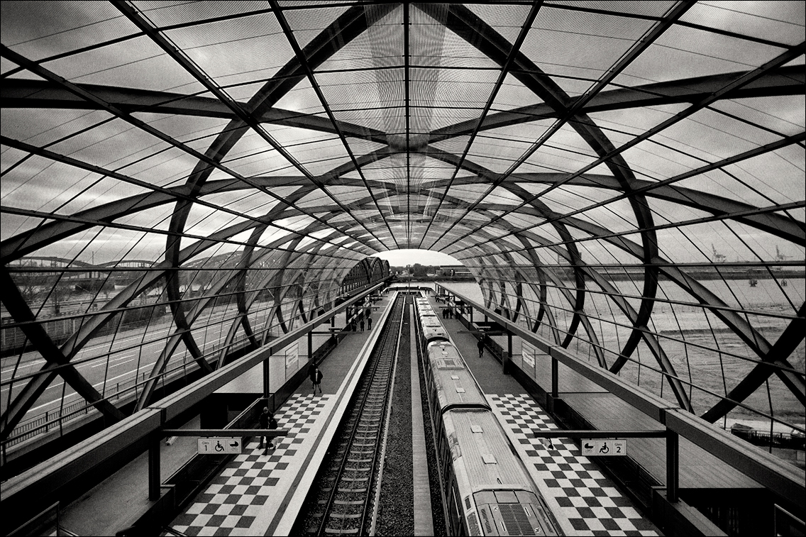 MGL9182 in U-Bahnhof Elbbrücken