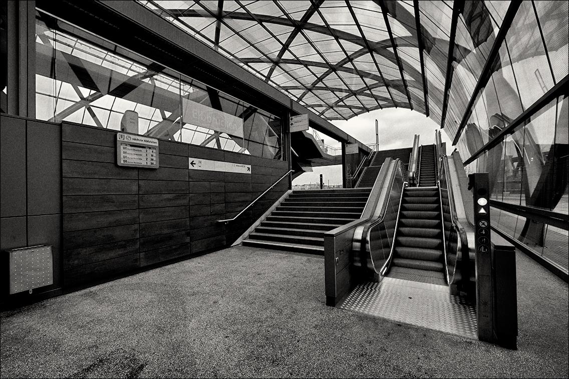 MGL9214 in U-Bahnhof Elbbrücken