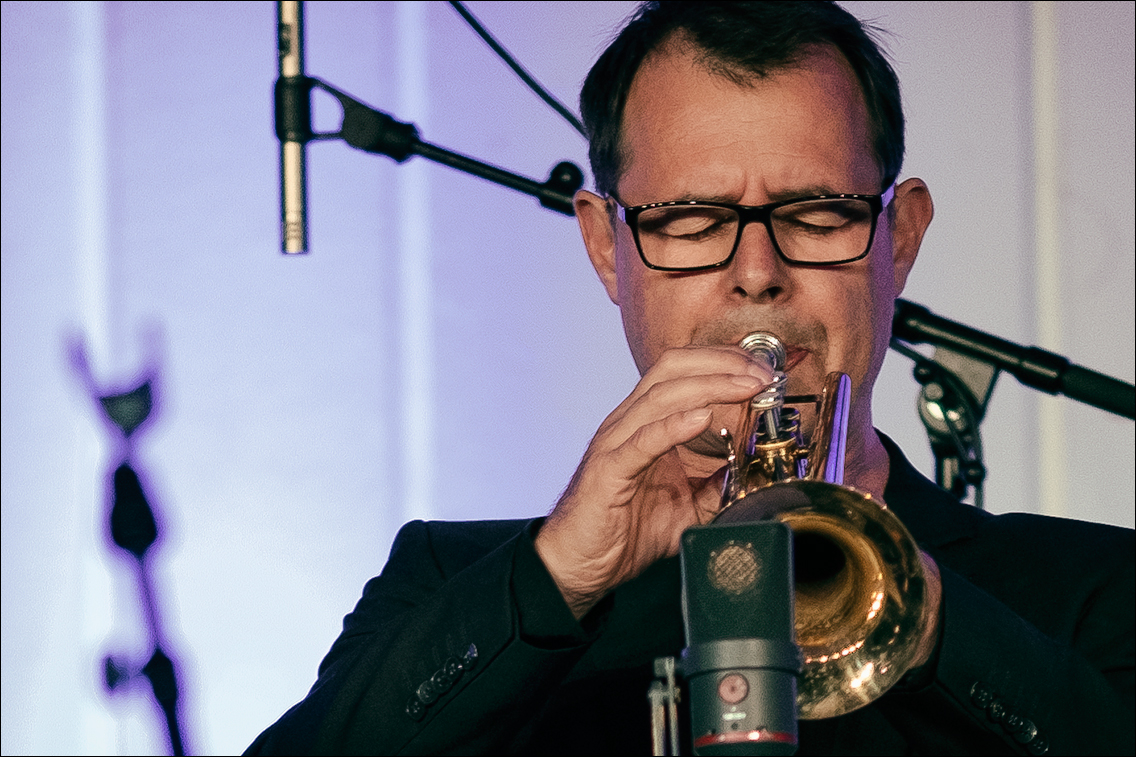 Jazz Open Hamburg 2019 1169 in Gabriel Coburger's XXL Ensemble feat. Ken Norris