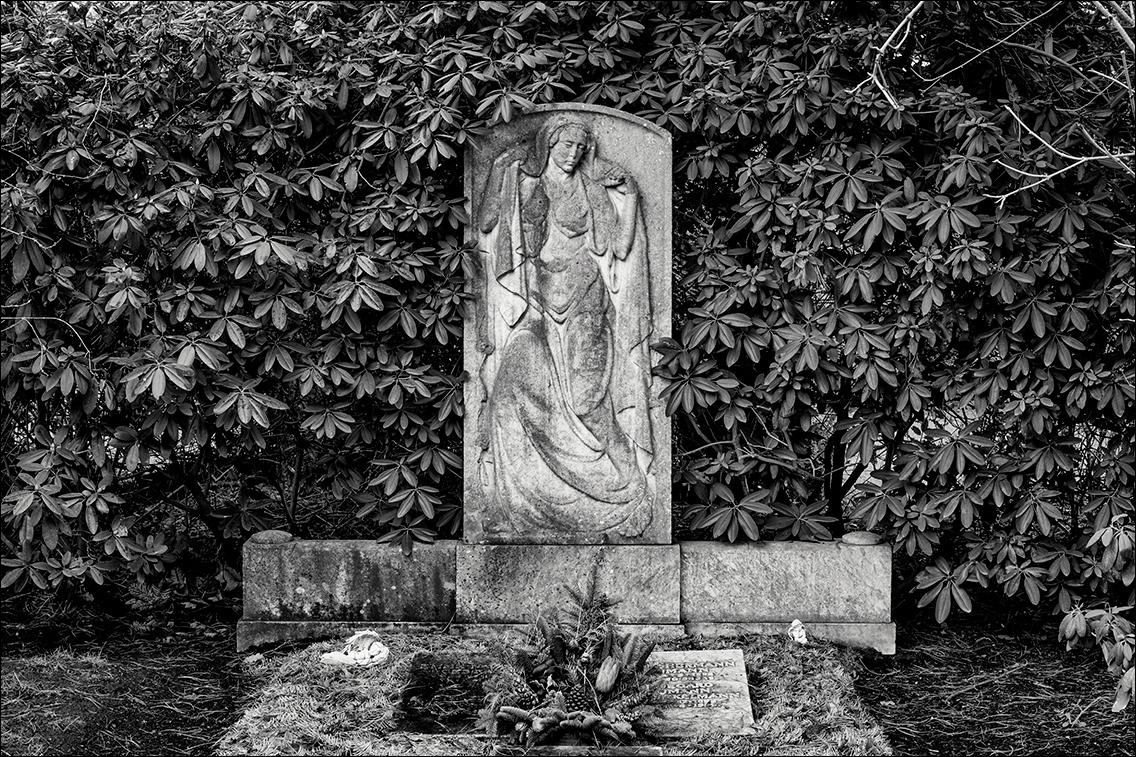 DSCF2362 Naumann in Bildhauer Arthur Bock auf dem Ohlsdorfer Friedhof