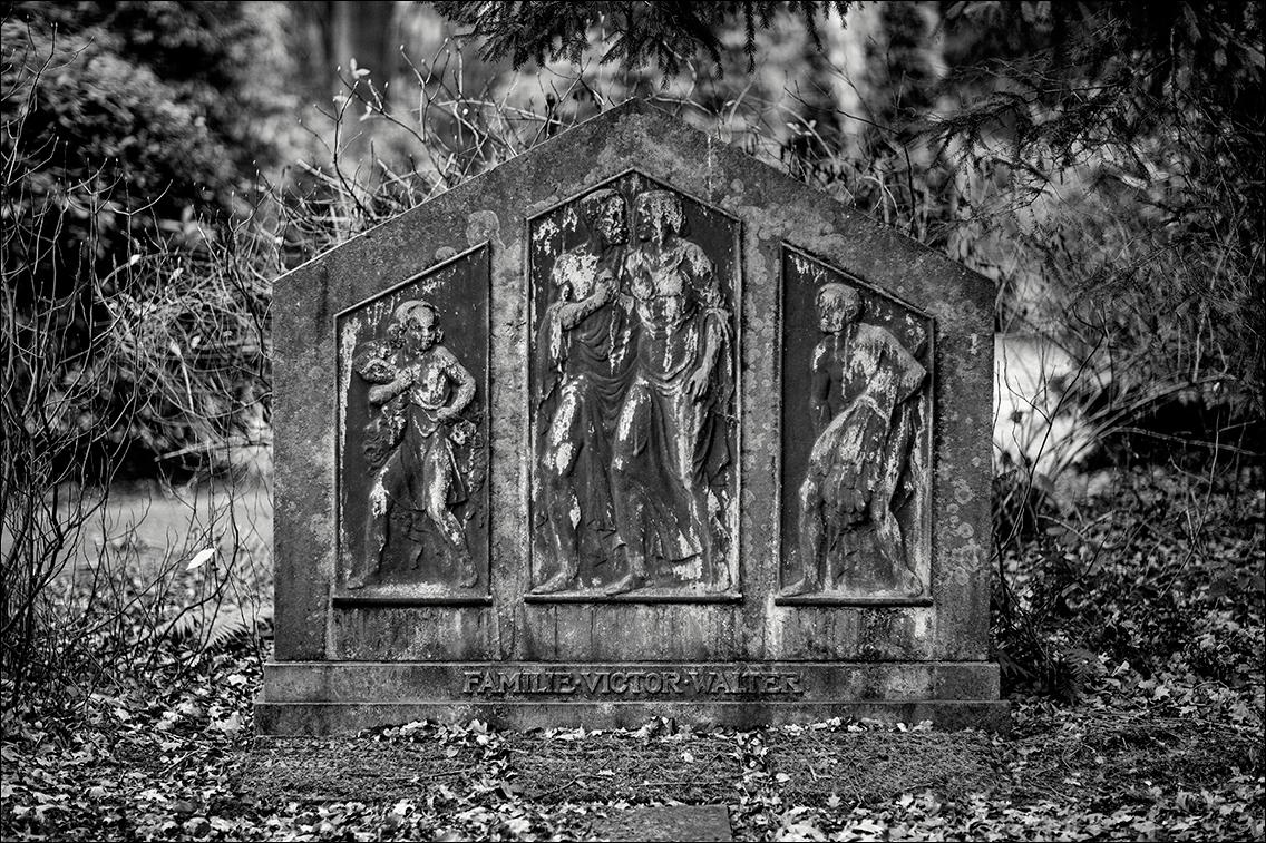MGL9018 Walter in Bildhauer Arthur Bock auf dem Ohlsdorfer Friedhof